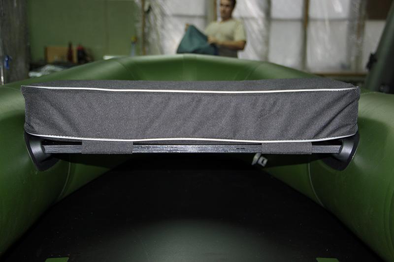 изготовление мягких сидений в лодку
